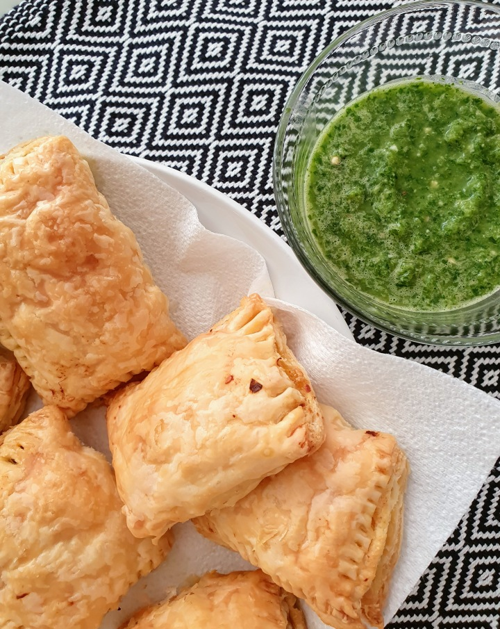 Vegetable Puffs With Classic Coriander Chutney